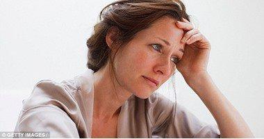 استشارى نفسى يحذر: مشروع قانون الحضانة يعرض الأم للاكتئاب والانتحار