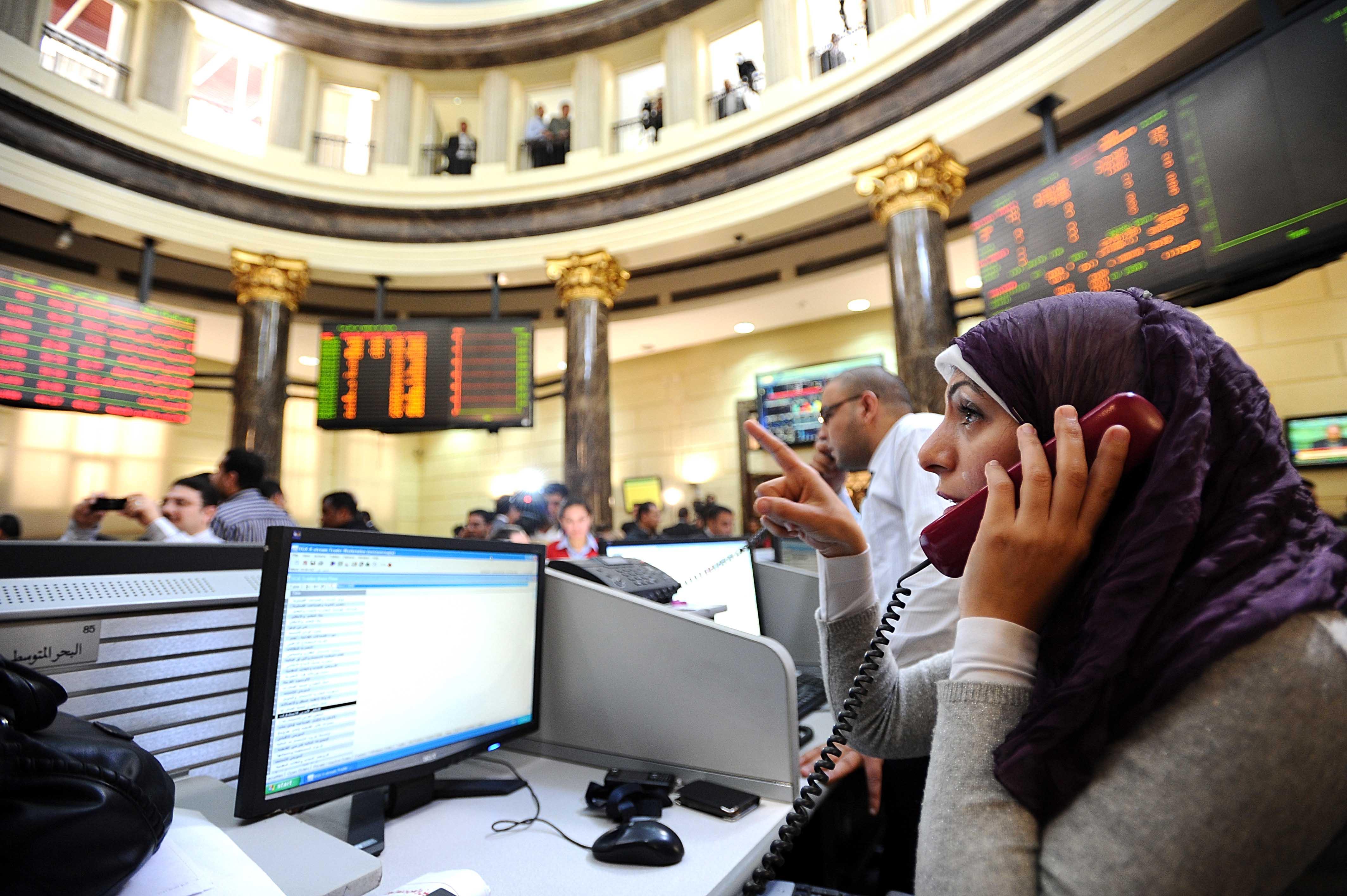 البورصة تربح 16.5 مليار جنيه بختام التعاملات.. والمؤشر يتخطى 10آلاف نقطة