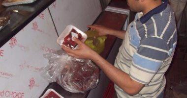 إغلاق 66 منشأة غذائية بالشرقية وإعدام طنين من الأغذية الفاسدة