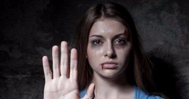 تعملى أيه لو اتعرضتى للأزمة؟ .. 6 خطوط ساخنة للإبلاغ عن العنف ضد المرأة