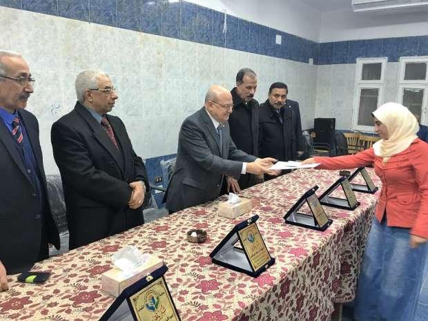 بالصور | رئيس جامعة الزقازيق يكرم أبناء المدن الجامعية المتميزين في الأنشطة الطلابية