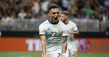 الإصابة تحرم لاوتارو من المشاركة مع الأرجنتين ضد بيرو بتصفيات المونديال