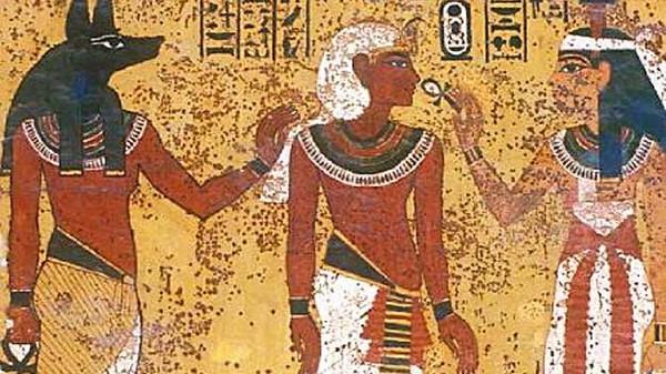 هل تعلم أن المصريين يتحدثون الهيروغليفية حتى اليوم؟