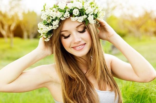 4 مشروبات طبيعية تزيد كثافة الشعر