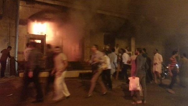 المعاينة المبدئية ترجح ماسا كهربائيا وراء حريق مطعم الشرقية
