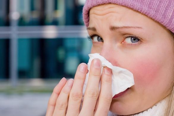 هل تعاني من نزلة برد أم من إنفلونزا؟ تعرف على الفرق بينهما