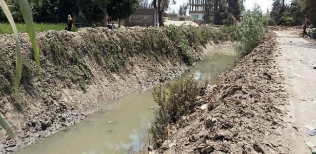 قرية بالشرقية: العطش يقتل «الزرع».. والأهالى يبحثون عن «كوب مياه»