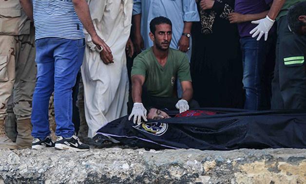 أهالى قرية بأولاد صقر يقطعون الطريق احتجاجا على مقتل شاب