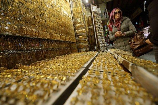 أسعار الذهب تتراجع 10 جنيهات