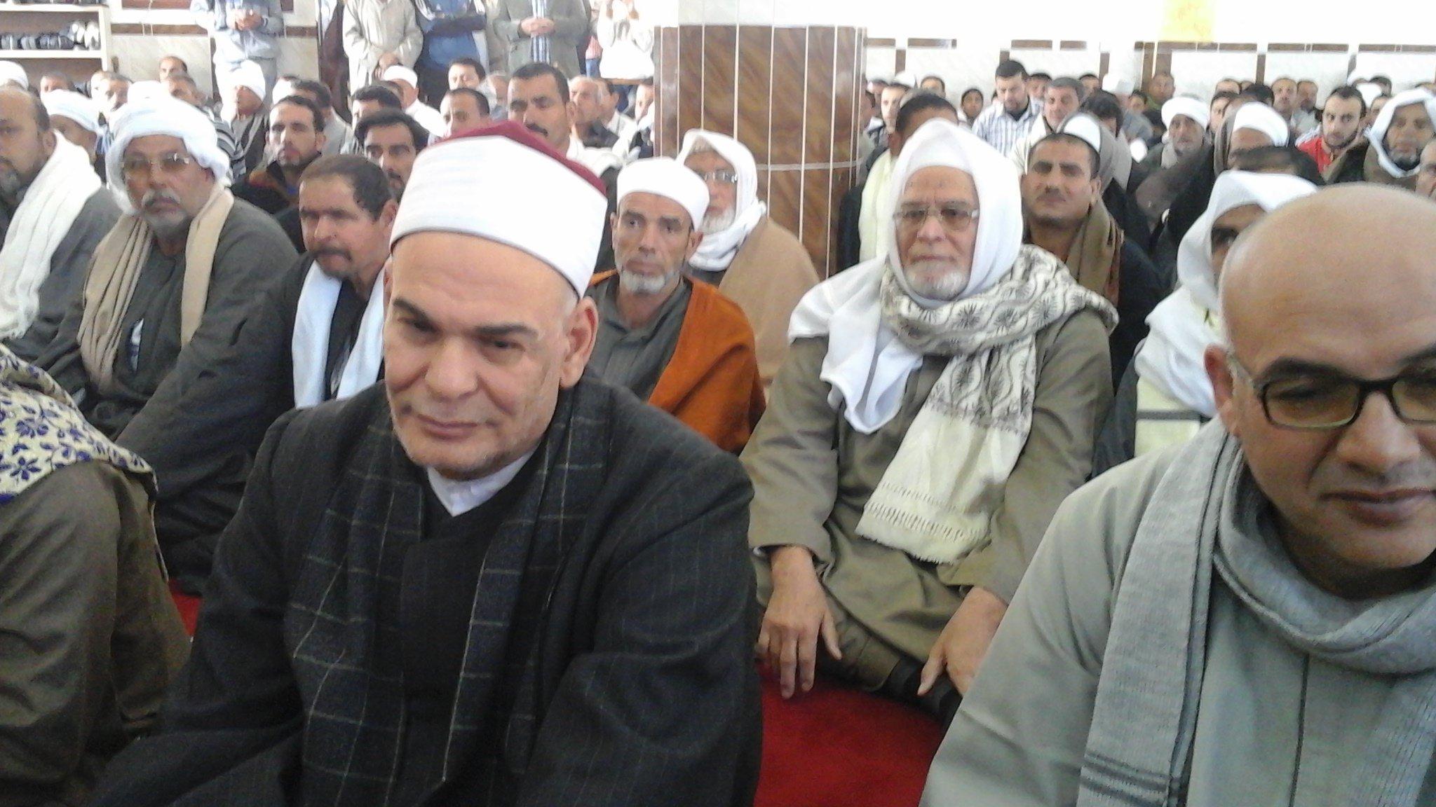 بالصور.. مستشار وزارة الأوقاف يفتتح مسجدا بأبو كبير